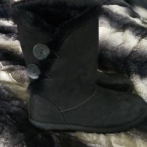 SO  faux fur boots
